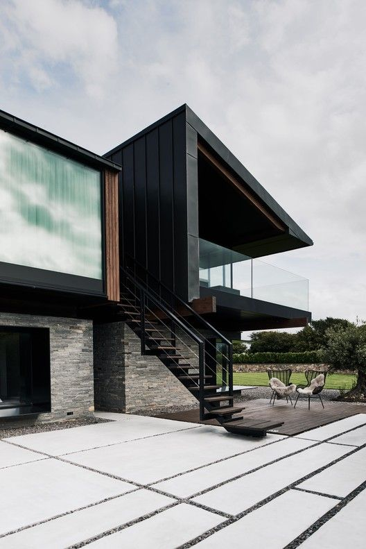 Silver House / Hyde + Hyde Architects   Architecture, Modern house .