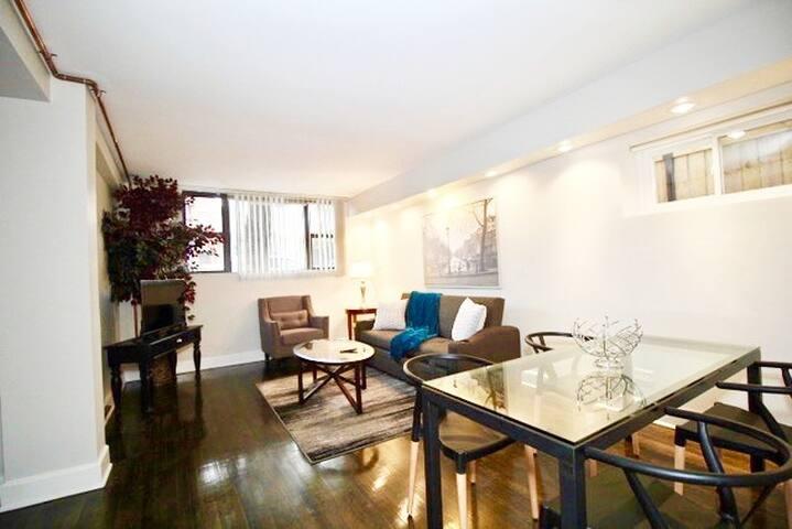 GOATHOTE | COOL/MODERN/STYLISH/ 3/1 APT | CHICAGO - Apartments for .