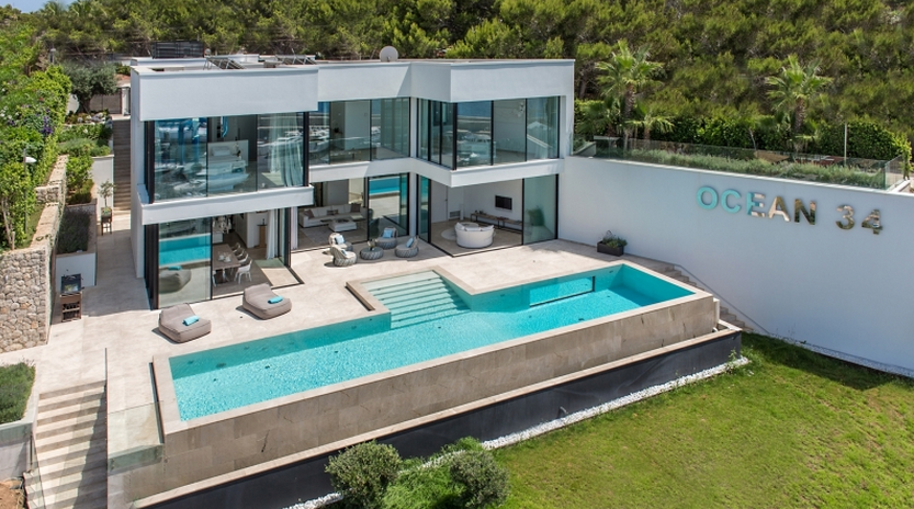€11.9 Million Modern Waterfront Home In Spain | Homes of the Ri