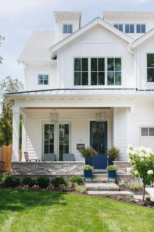 Modern White Farmhouse Exterior Ideas – Pickled Barrel | White .