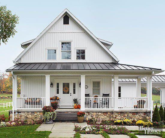 15 Beautiful White Farmhouses | Modern farmhouse exterior, House .
