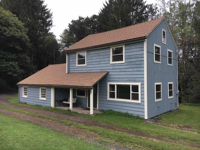 Modernized 19th Century Countryside Farmhouse 【 OFFICIAL .