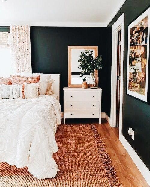 Dark, moody emerald green walls + jute rug = Earthy Vibes. Find a .