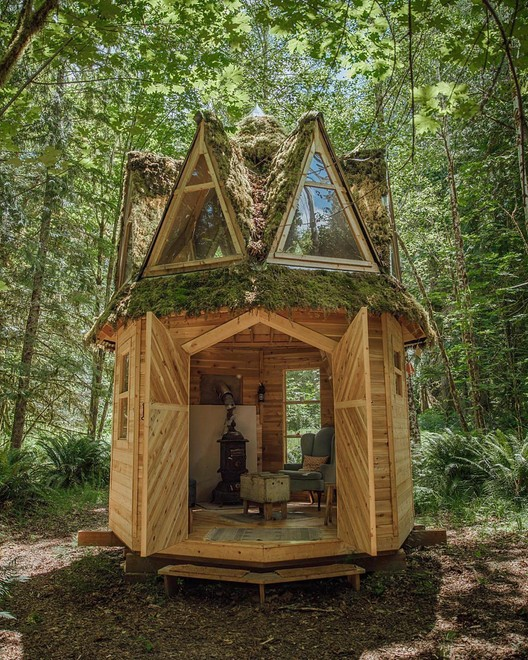 This Moss-Covered, Octagonal Micro-Cabin Combines Luxury and .
