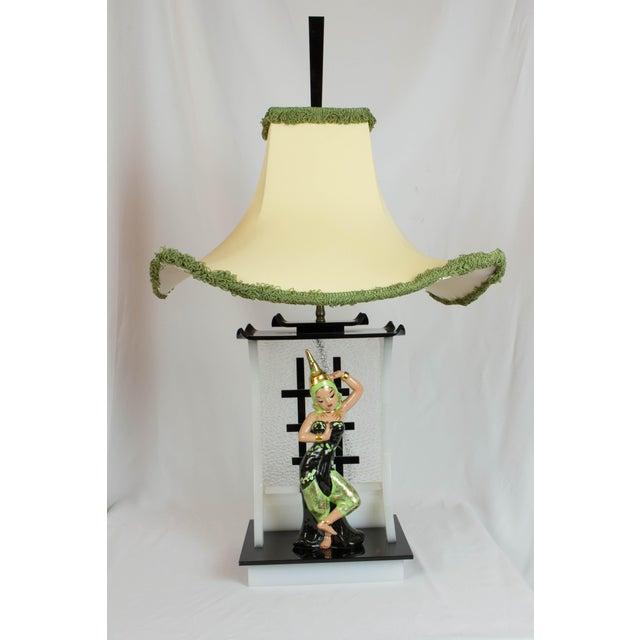 Siamese Dancer Moss Lamp | Chairi