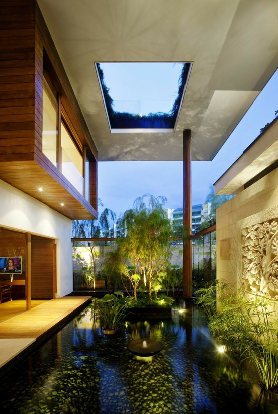 10 The Most Cool And Amazing Indoor Courtyards Ever - DigsDi