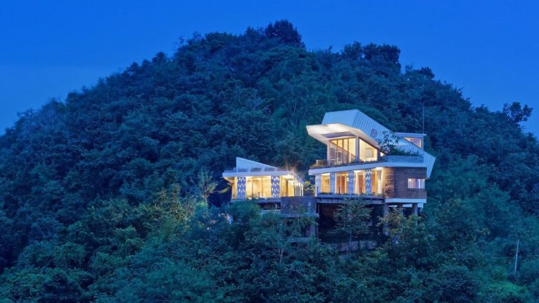 Hillside House With A Shipping Container On Top - DigsDi