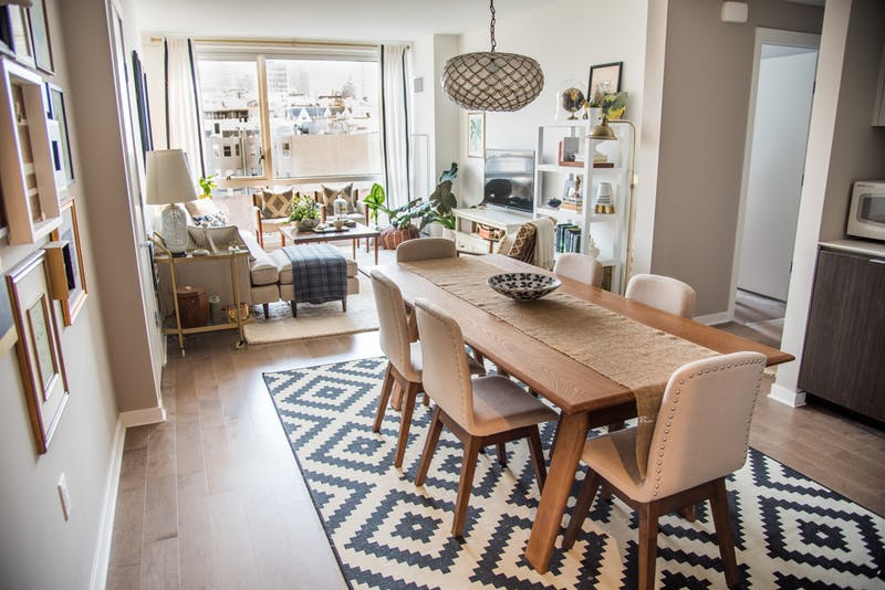 Mix and Match Your Way to a Sleek Neutral Apartment | Decohol