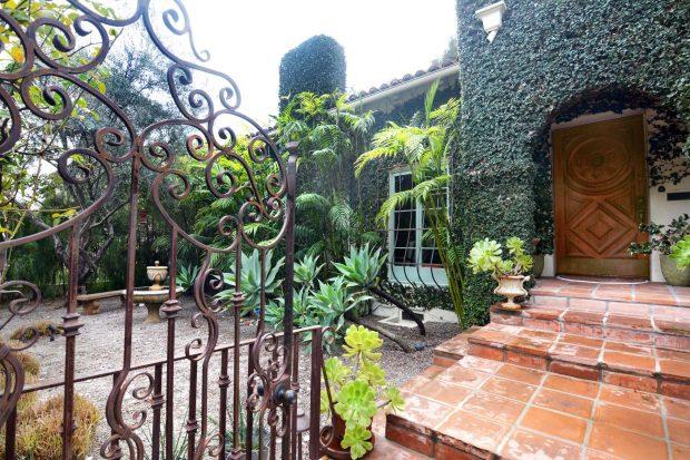 Ivy-Covered Spanish-Style Home in Los Feliz Oaks - 5444 Red Oak .
