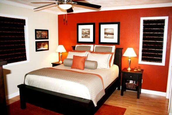 How to mix Red and green and not be Christmasy | Bedroom orange .