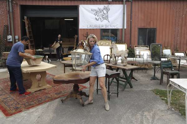 Round Top vendors regroup to stay in business during coronavirus .