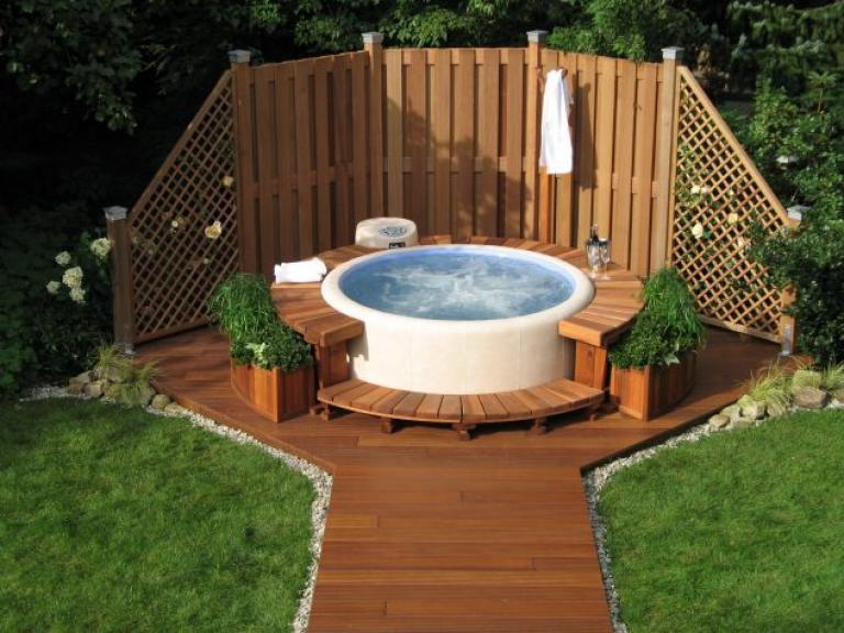 Incredible Outdoor Jacuzzi Design Ide