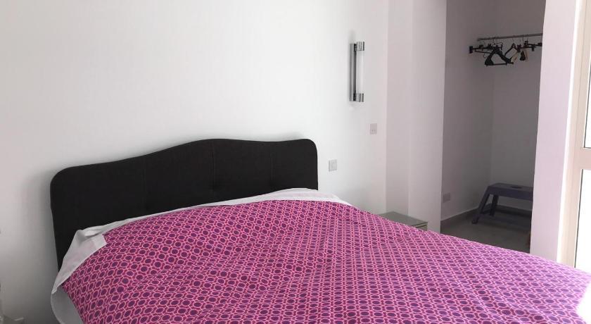 Bright & Spacious 1 Bedroom Penthouse-Gzira CL | Sliema 2020 .