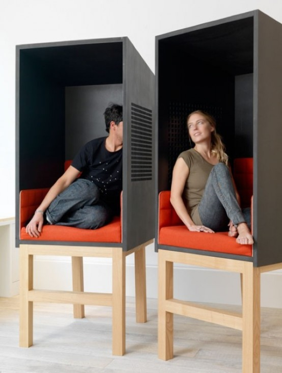 Pod-Like Seating For A Private Talk - DigsDi