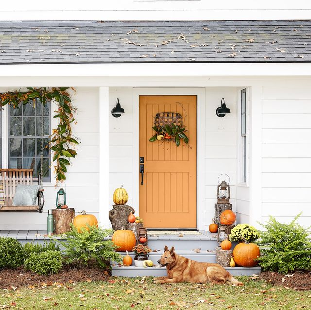 67 Fall Porch Decorating Ideas - Outdoor Fall Dec