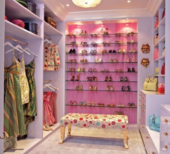 40 Pretty Feminine Walk-In Closet Design Ideas - DigsDi