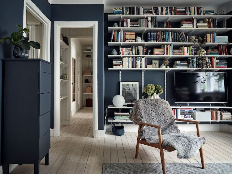 my scandinavian home: A Charming & Relaxed Swedish Home In Blue .