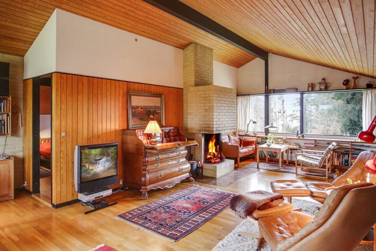 Danish Mid-Century Home With Vintage Furniture - DigsDi