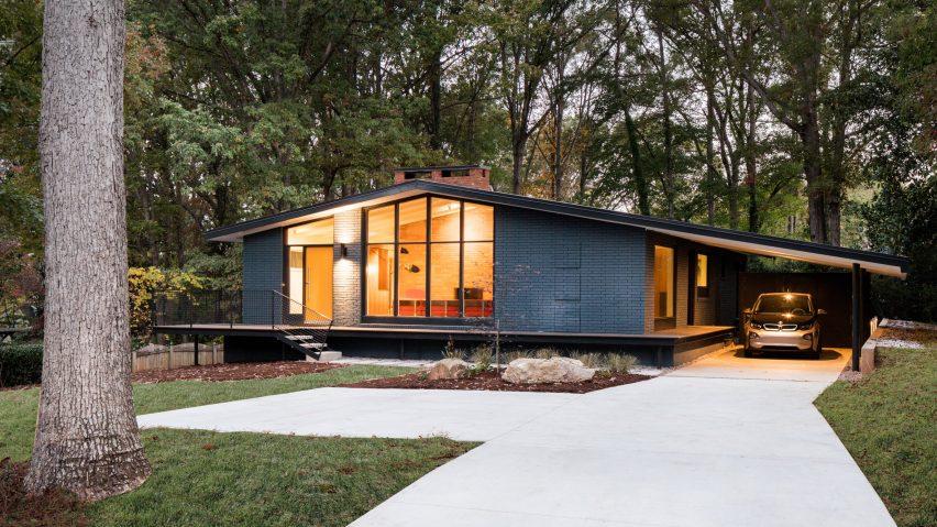 In Situ Studio revives midcentury modern home in North Caroli