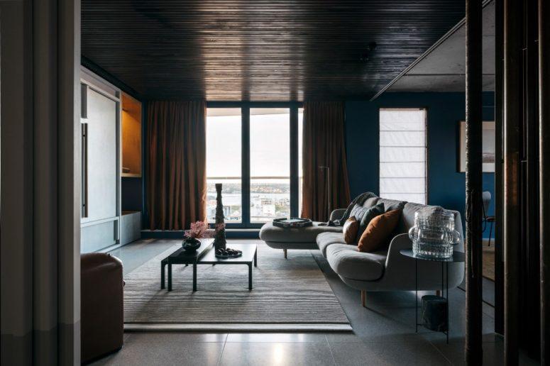 Sophisticated 1906 Apartment Done In Rich Dark Hues - DigsDi