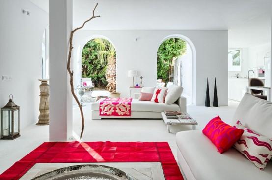 Spanish Villa With Mediterranean And Ethnic Touches - DigsDi