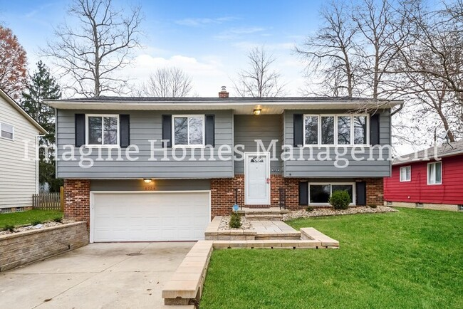 Beautifully Remodeled Split Level in Solon - House for Rent in .