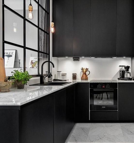 25 Striking Black Kitchens To Make A Statement - DigsDi