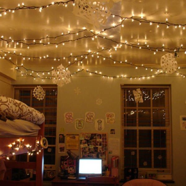 11 Unexpected Ways to Decorate Your Dorm With Holiday Lights .