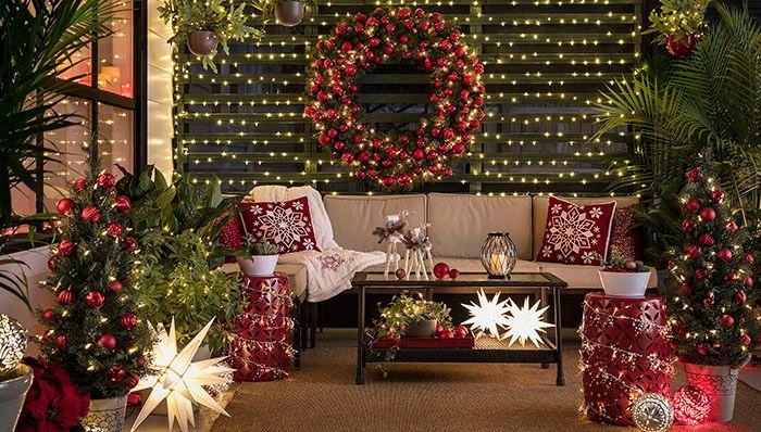 Christmas Lights: Holiday Decor for a Screened Por