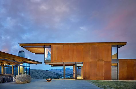 Tom Kundig's gorgeous Corten-clad Studhorse home is modeled after .