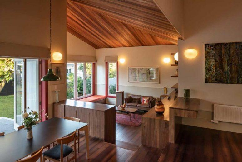 Auckland's Split House With Modern Interiors - DigsDi