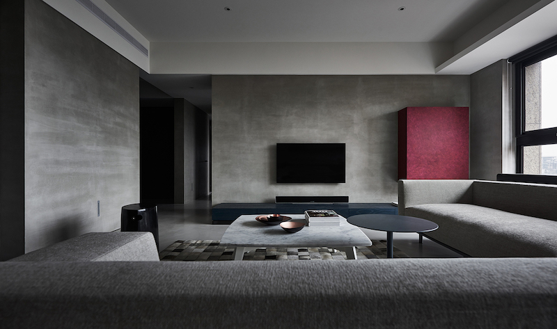 Modern Apartment With A Low-Profile, Chic And Balanced Interior .