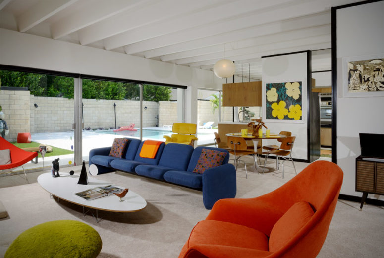Mid-Century Modern House With Colorful Furniture - DigsDi