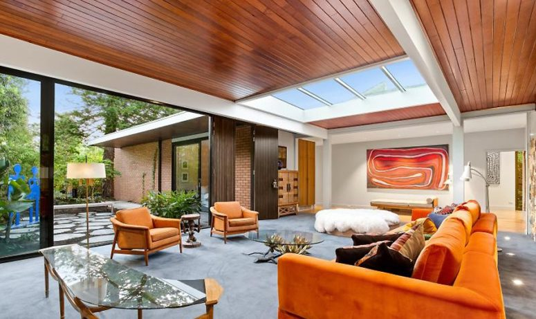 Non-Typical Mid-Century Modern Home With Contemporary Aesthetics .