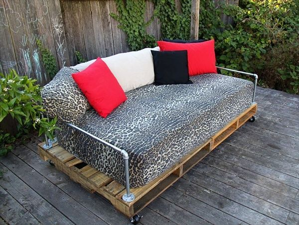 23 Super Smart Ideas To Transform Old Pallets Into Functional .