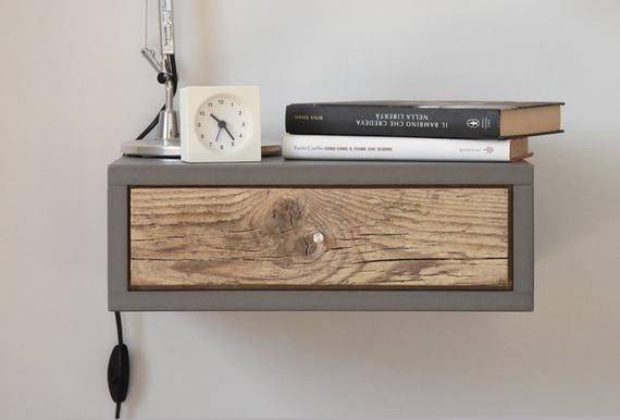 Chevet suspendu avec tiroir en bois antique/ table basse en | Etsy .