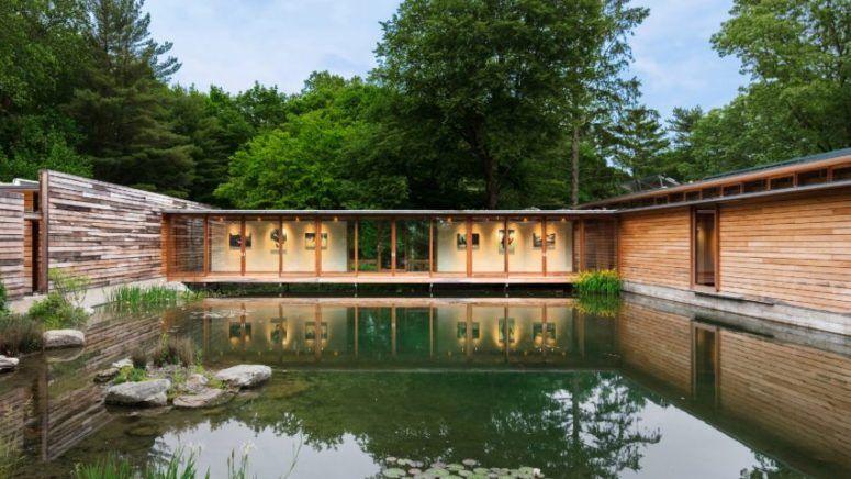 Three-Volume Residence Around A Large Pond | Architecte, Maison .