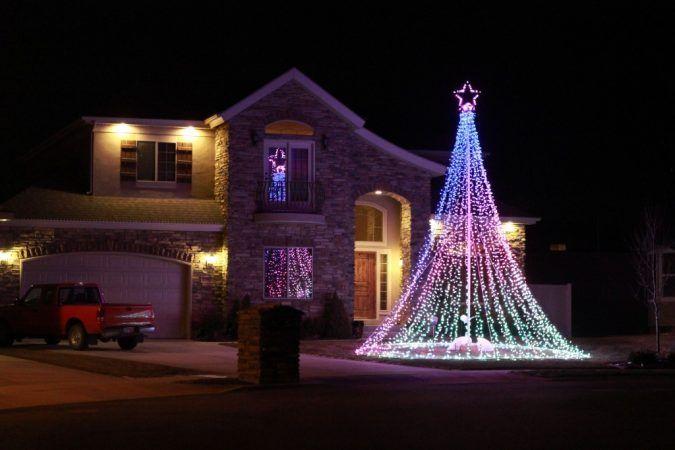 Top 10 Outdoor Christmas Light Ideas for 2020   Pouted.com .