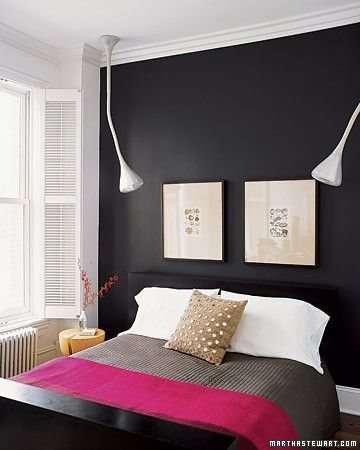 19 Traditional Black And White Bedroom That Inspire | Black walls .