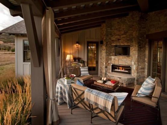 Traditional Style Veranda Design With Vintage Furniture - DigsDi