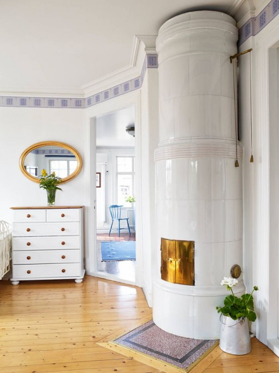 29 Traditional Tile Stoves In Home Décor - DigsDi