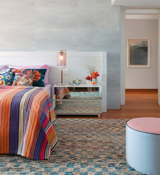 Tropical-Themed Bedroom Design For Those Who Love Bright Colors .