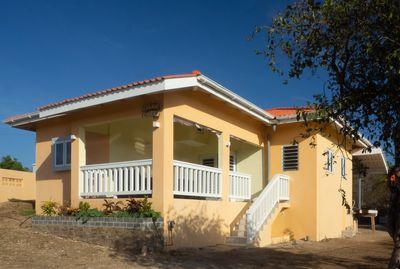 Unique holiday villa in Banda Abou located in the very quiet area .