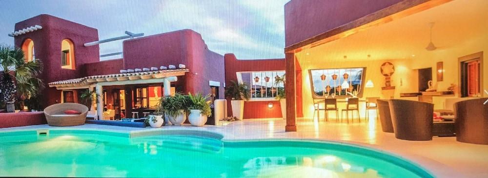 Unique Luxury Holiday Villa in Kralendijk   Hotel Rates & Reviews .
