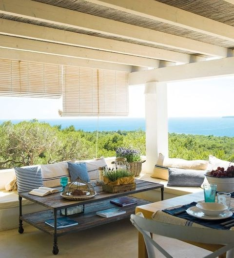COASTAL AND OCEAN-INSPIRED HOME DECOR IDEAS   ComfyDwelling.c
