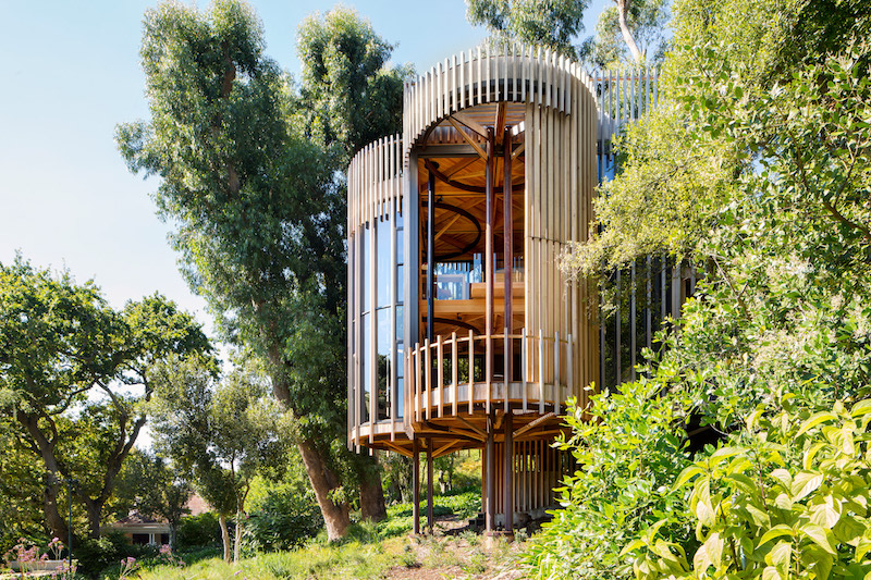 A Modern Treehouse Residence Made Of Four Cylindrical Towe