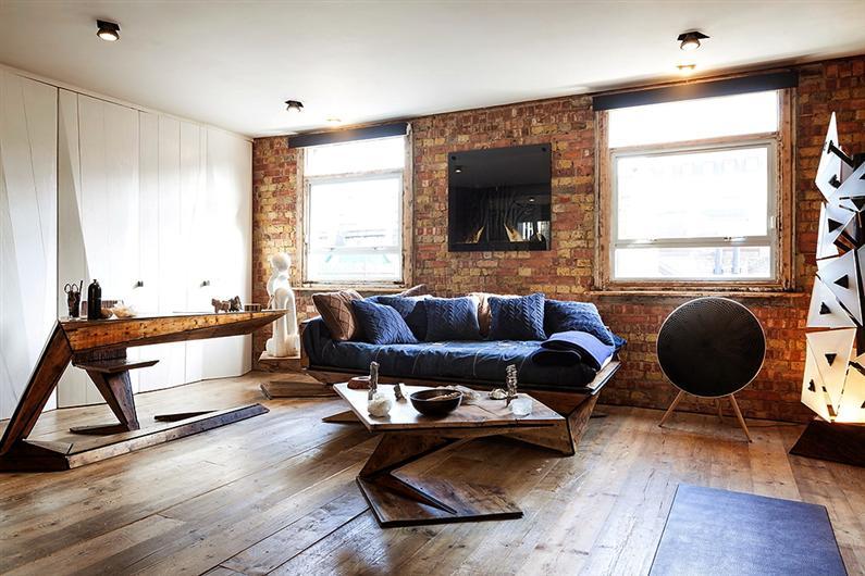 Wonderful apartment refurbished with unconventional interior desi