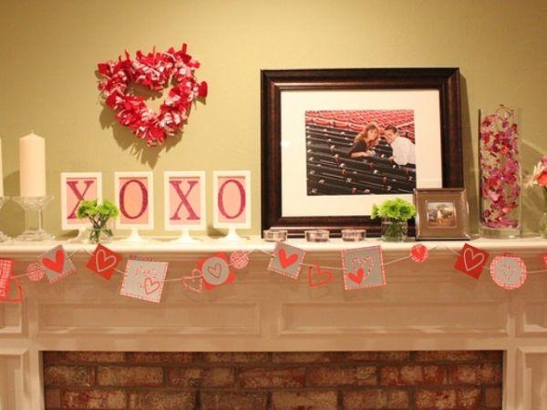 20 Gorgeous Valentine's Day Mantel Décor Ide