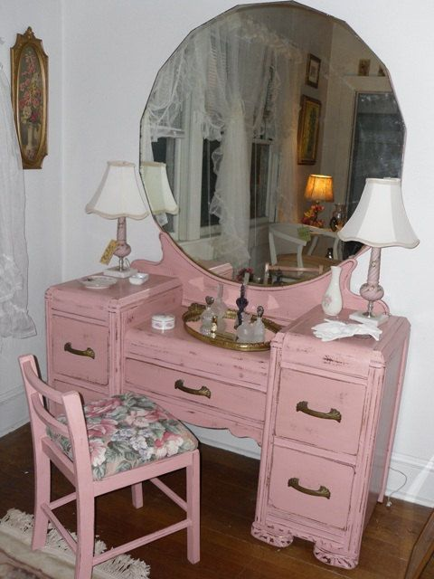 Vintage Dresser Vanity with Mirror and Stool in Shabby Chic .