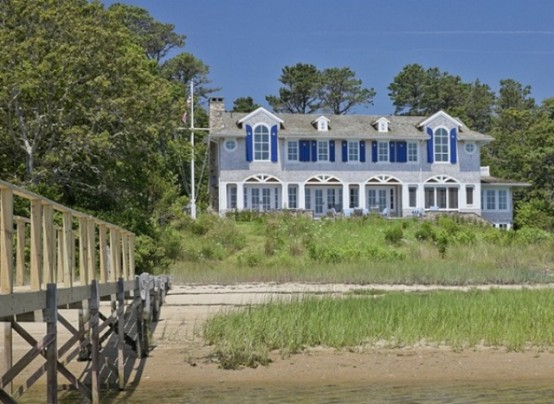 Vintage-Inspired Waterfront Home With A Whimsical Touch - DigsDi